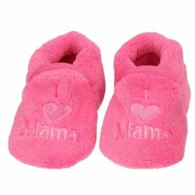 Kraamcadeau fuchsia roze babyslofjes/sloffen love mama