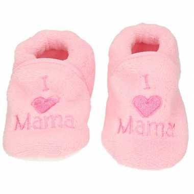 Kraamcadeau lichtroze babyslofjes/sloffen love mama