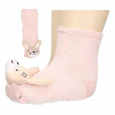 Roze slofsokken baby met konijntje